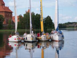 Plaukiojimas jachta Trakuose